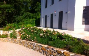 Repr sentativer vorgarten eichhorn for Gartengestaltung 1230 wien